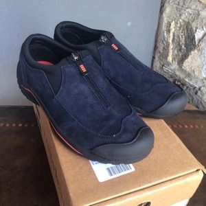 NIB LL Bean Waterproof Slip on walking shoe Navy 8